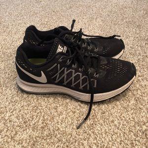 Nike Zoom Pegasus 32 Runners Size 6.5
